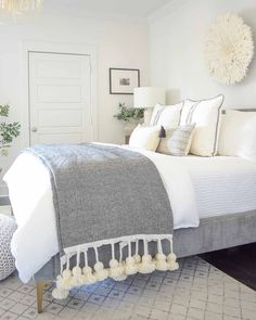 Living Room Decor, Bedroom Decor, Favorite Paint Colors, Accent Wall Bedroom, Winter House, Easy Diy Crafts, Clean Design, Beautiful Interiors, Home And Living