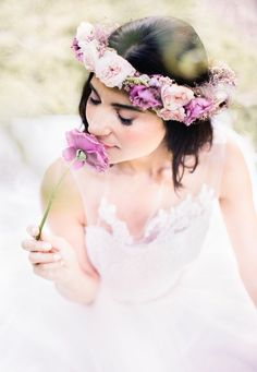 Take a look at this stunning, natural bridal inspiration shoot by Reverie Supply - simply steeped in romance. Pink Floral Crowns, Floral Hair, Flower Crown Wedding, Flower Crowns, Flower Headbands, Flower Girls, Purple Wedding, Dream Wedding, Flower Head Wreaths
