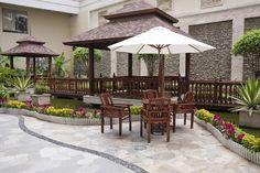 A perfect place for an afternoon tea. ;) http://www.myhbinc.com/ 818.914.4900 #LoveThisBackyard #MyBeautifulYard