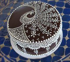 henna decorated cake.