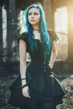 Model: Lady Marou Corset: PaperCats Welcome to Gothic and Amazing |www.gothicandamazing.com