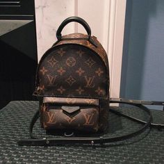 2019 New Louis Vuitton Handbags Collection for Women Fashion Bags have it Prada Handbags, Luxury Handbags, Louis Vuitton Handbags, Fashion Handbags, Tote Handbags, Fashion Bags, Fashion Purses, Womens Fashion, Trendy Fashion