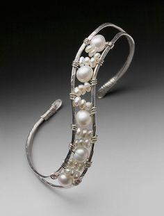 Beautiful bracelet...LOVE this!!! #jewelryinspo #jewelrymaking #jewelryaddict #cbloggers #fbloggers