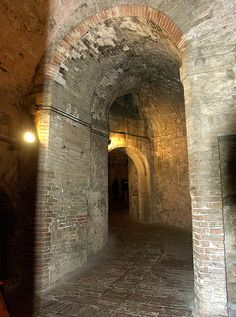 Umbria Perugia, via Bagliona, sotterranei della Rocca Paolina    #TuscanyAgriturismoGiratola