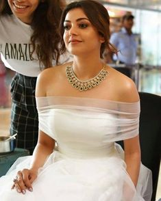 Bollytolly Actress Images Gif Images Kajal Agrawal