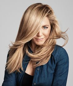 Get Jennifer Aniston's healthy hair with Living Proof Perfect hair Day Dry Shampoo. It absorbs and removes oil, sweat and odor, so you can go longer between shampoos.