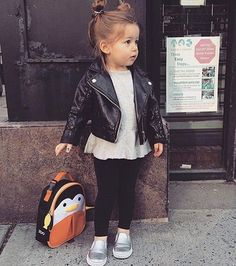 Style rock girl kids fashion 54 ideas for 2019 Toddler Girl Style, Toddler Girl Outfits, Toddler Fashion, Kids Fashion, Fashion Clothes, Cute Little Girls Outfits, Little Girl Fashion, Mode Junior, Bebe Love