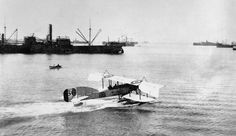 A Short seaplane of the Royal Naval Air Service lands at Salonika harbour in 1916 Sea Plane, Aircraft Maintenance, Airline Tickets, Aviation, Boat, Air Flight Tickets, Dinghy, Boats
