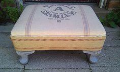 banquito mueble almohadon arpillera O rústico estilizando a decoração!por Depósito Santa Mariah