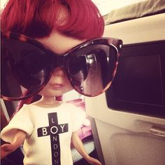 Goo Blythe is finally landed to Barcelona to Sonar 2013! Look her cool outfit. Photo by pil_associati