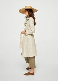 Straw hat outfit