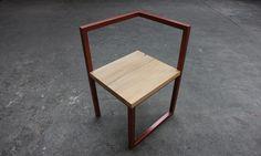 Tamim Daoudi associé à EPI Studio présentent BIG CHIEF une collection bureau et chaise alliant bois et métal durant la Paris Design Week 2015.