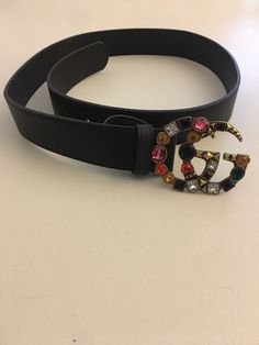 7557ea6c3b4 Women s Gucci leather belt with Double G