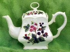 Blackberry 8 Cup Square Porcelain Teapot