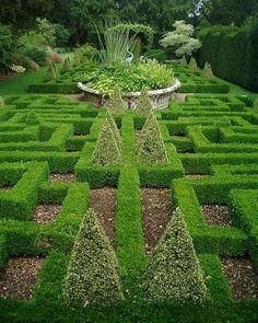 26 best Knot Gardens images on Pinterest   Formal gardens ... Yin Yang Labyrinth Garden Designs Html on