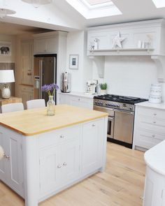 The calm before the chaos. I can't find my kitchen for food and there's been a lot of Prosecco - wouldn't have it any other way! New Kitchen, Kitchen Island, Kitchen Decor, Kitchen Ideas, Kitchen Layouts, Monday Blues, Tuesday, Kitchen Design, Shabby Chic