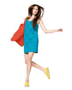 Love the combination of colours... specially love the dress... very cute & chic