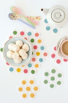 Easter table setting ideas. Neon and lace crochet pattern for coasters and placemats | Mollie Makes 51