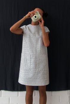 Купить или заказать Платье нарядное из парчи в интернет магазине на Ярмарке Мастеров. С доставкой по России и СНГ. Материалы: вискоза, люрекс. Размер: 42-44 Diy Dress, Dress Outfits, Casual Dresses, Fashion Dresses, Trendy Outfits, Summer Outfits, Summer Dresses, Vestidos Chiffon, Schneider