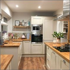 Our small kitchen concepts are excellent for these not blessed with a big and sociable kitchen-diner. Positive, you won't have house for a kitchen island, vary cooker, and eating desk to cram [. Home Decor Kitchen, Diy Kitchen, Kitchen Interior, Kitchen Dining, Kitchen Ideas, Awesome Kitchen, Kitchen Small, Kitchen Wood, Kitchen Designs