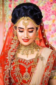 """Photo from album """"Aurosikha ♥️ Soumyajyoti"""" posted by photographer Shutter Time Indian Wedding Makeup, Indian Bridal, Middle Eastern Makeup, Gold Jewelry, Jewellery, Ganesha Art, Girl Senior Pictures, Bridal Photoshoot, Bride Portrait"""