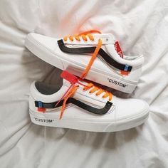 Shopping For Men's Sneakers. Are you looking for more info on sneakers? Then click through here for more info. Associated information. Mens Sneakers To Wear With Jeans Sneakers Vans, Tenis Vans, Moda Sneakers, Custom Sneakers, Sneakers Fashion, Vans Custom Shoes, Leather Sneakers, Vans Old Skool Custom, Mens Vans Shoes
