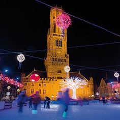 Dates: 25 Nov - 01 Jan 2017 Medieval Bruges, with its beautiful setting, is host to one of the most famous Christmas Markets in Belgium, offering the best of winter products, Christmas gifts and warm gluhwein and snacks