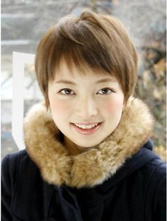 本当に可愛いショートスタイル Japanese Short Hair, Asian Short Hair, Short Hair Cuts, Pixie Hairstyles, Easy Hairstyles, Haircuts, Medium Hair Styles, Short Hair Styles, Laughing Face