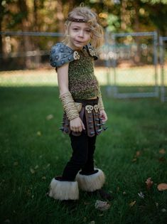 I made my daughter an Astrid costume for Halloween 2013.