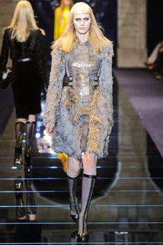 Versace Fall 2012 Ready-to-Wear Fashion Show - Julia Nobis
