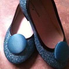 DIY glitter shoes with buttons