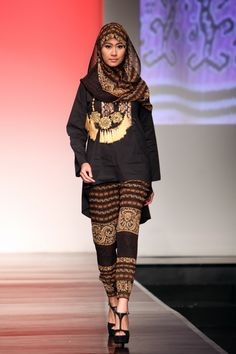 "Kamilaa ""Occident Orient"", Jakarta Islamic Fashion Week 2013"