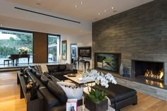 Wallace Ridge by Whipple Russell Architects | http://www.caandesign.com/wallace-ridge-by-whipple-russell-architects/
