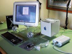 "Apple Mac G4 Cube, 17"" Monitor, Mac OS X"