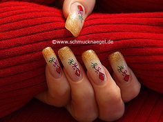 rosas en las uñas