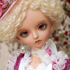 The Glamour Sky BJD by Peak's Woods, available in tan or white resin, for a limited time in July 2010.