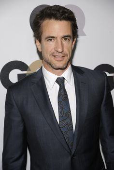 Dermot Mulroney....just keeps on get'n better....::le sigh::