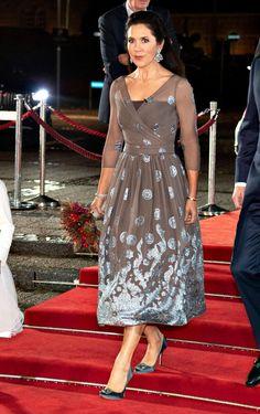 Beauty And Fashion, Fashion Looks, Royal Fashion, Princesa Mary, Crown Princess Mary, Manolo Blahnik, Royal Families Of Europe, Prince Frederick, Danish Royalty