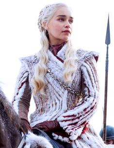 Game of Thrones Season 8 Daenerys Targaryen Cosplay Costume is manufactured from quality material, with accurate design.This Game of Thrones Costume supports customization. Costumes Game Of Thrones, Game Of Thrones Cosplay, Game Costumes, Copper Blonde, Light Ash Blonde, Beige Blonde, Daenerys Targaryen Cosplay, Khaleesi, Khal Drogo
