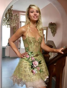 Post with 215774 views. violin dress by French designer Sylvie Facon Fairytale Gown, Fairytale Fashion, Style Couture, Couture Fashion, Beautiful Gowns, Beautiful Outfits, Corsage, Fairy Clothes, French Fashion Designers