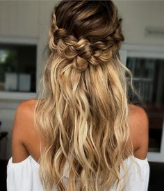 Fantastic Bridal Hair- Ceremony The post Bridal Hair- Ceremony… appeared first on Emme's Hairstyles .