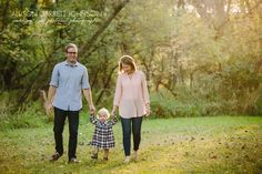 Beautiful family, beautiful light and a beautiful location. It doesn't get much better than this.   #portrait  #familyportraitphotography #portraitphotography  #lnk  #kidphotography #childphotographer #familyphoto #nebraskaphotographer