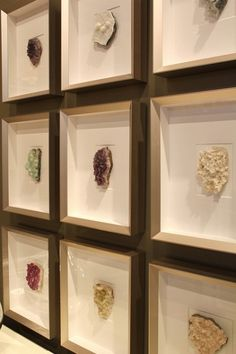 16 fabulous DIY artwork tutorials - I like this one. Frame a series of your favourite finds; shells, rocks, buttons, or leaves.