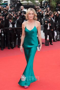 Robin Wright was in a Spaghetti Straps Peacock Green charmeuse Dress at 2017 Cannes Film Featival. This simple but far from plain dress completed the understated look. Charlotte Gainsbourg, Robin Wright, Special Dresses, Special Occasion Dresses, Formal Dresses, Celebrity Dresses, Celebrity Style, Emerald Gown, Stuart Weitzman