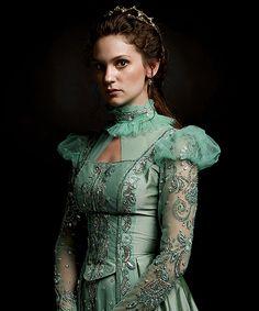 kosem sultan sends her regards😍 Elizabethan Fashion, Royal Crown Jewels, Kosem Sultan, Corset Costumes, Queen Outfit, Turkish Fashion, Medieval Dress, Fantasy Dress, The Dress