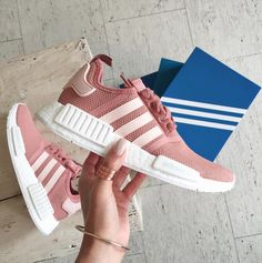 Adidas Women Shoes - Sneakers femme - Adidas NMD Raw Pink - We reveal the news in sneakers for spring summer 2017 Cute Shoes, Me Too Shoes, Nmd Adidas, Adidas Nmd R1 Pink, Adidas Shoes Nmd, Adidas Gazelle, Looks Teen, Zapatillas Casual, Adidas Shoes Women