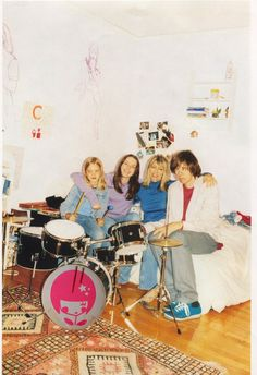 Coco, Louise, Kim, and Thurston