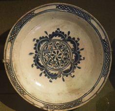 Canakkale - Museum of Greek Folk Art Greece Turkish Art, Turkish Tiles, Arts And Crafts, Diy Crafts, Flower Plates, Folk Art, 18th, Greek, Pottery