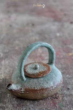 Ceramic art Tri Lukne cute and textured Pottery Teapots, Ceramic Teapots, Ceramic Clay, Ceramic Pottery, Pottery Art, Slab Pottery, Ceramic Bowls, Cafetiere, Wheel Thrown Pottery