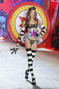 2012 Victoria's Secret Fashion Show. Circus theme.